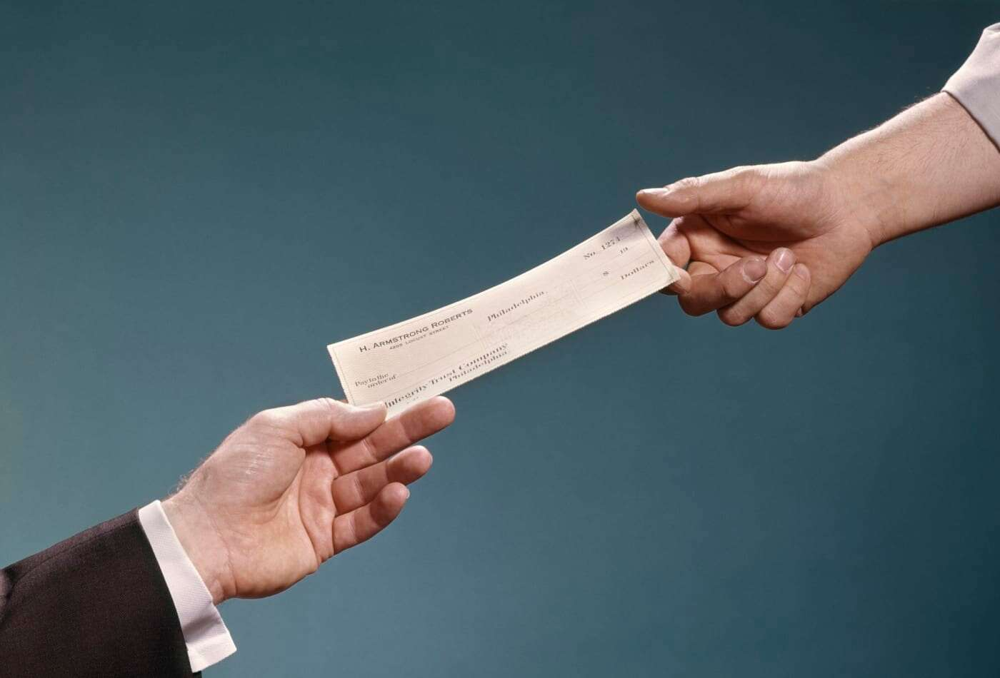 How to Find the Routing Number and Account number on a Check